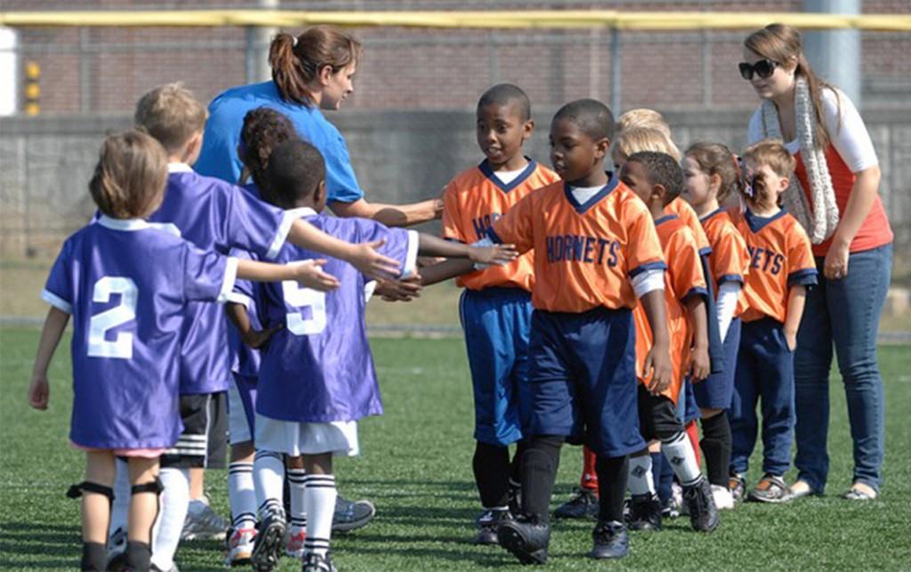 Parent Volunteers: 10 Different Ways To Help Your Local School   ilslearningcorner.com
