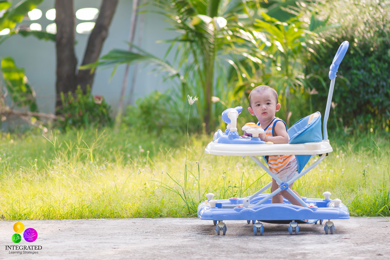 TRAY WALKERS: Studies Show Kids that Use Tray Walkers are Delayed in Mental and Motor Skills | ilslearningcorner.com
